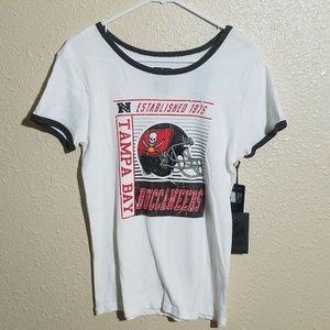 Tampa Bay Buccaneers Women T Shirt M NFL Team
